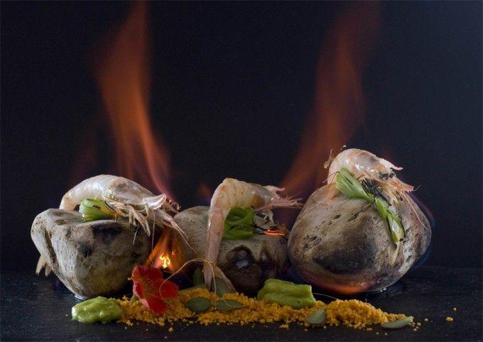 Receta de estrella Michelin de gamba blanca con salsa de edamame. Una espectacular y vistosa receta del chef Pedro Subijana del restaurante Akelarre.